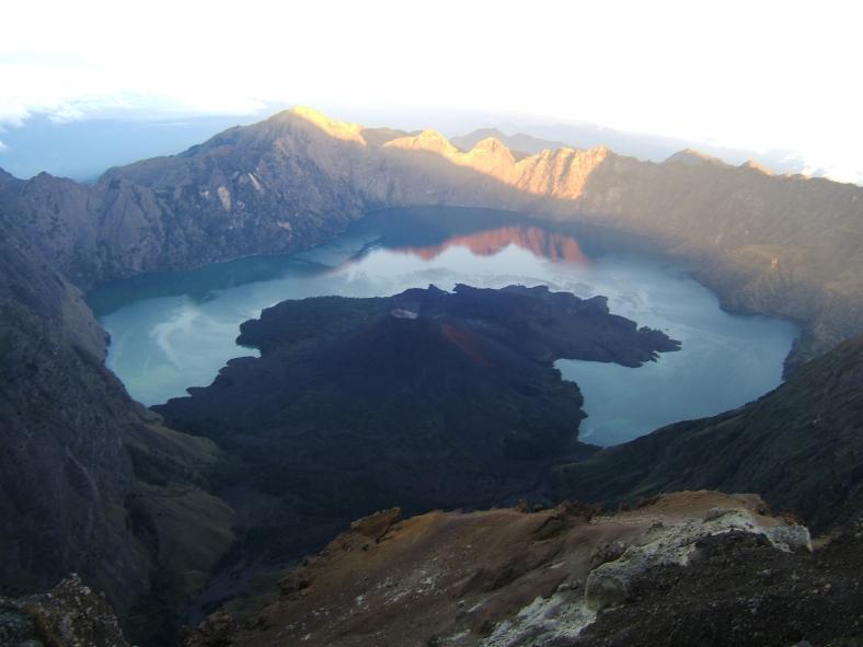 Rinjani_Volcano,_Lombok